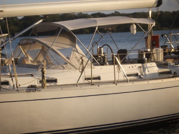 Stevens 47 Port side, Dodger and Bimini