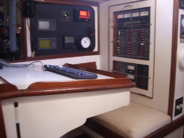 Stevens 47 Nav Station, Electical Panel