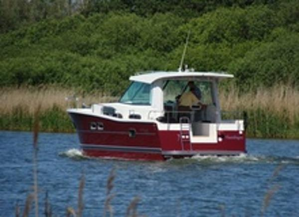 Delphia Escape 1050 Stern