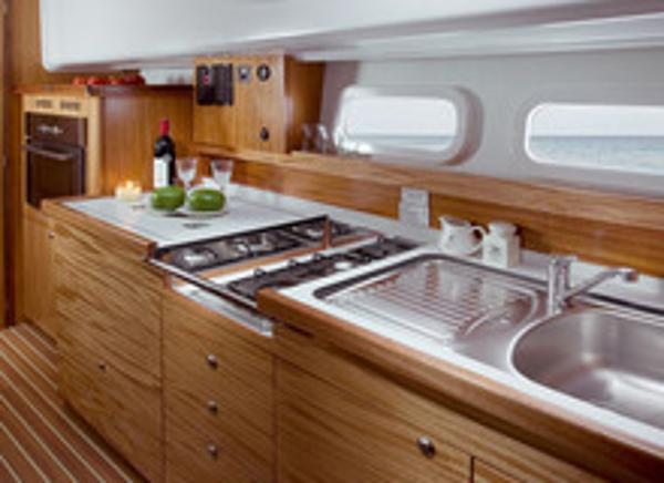 Delphia Escape 1050 Galley