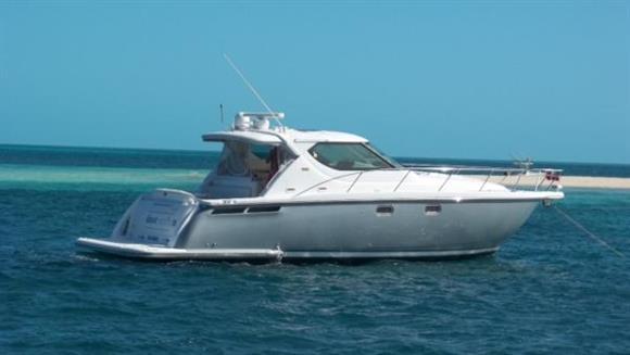 Tiara Yachts 4300 Sovran Main