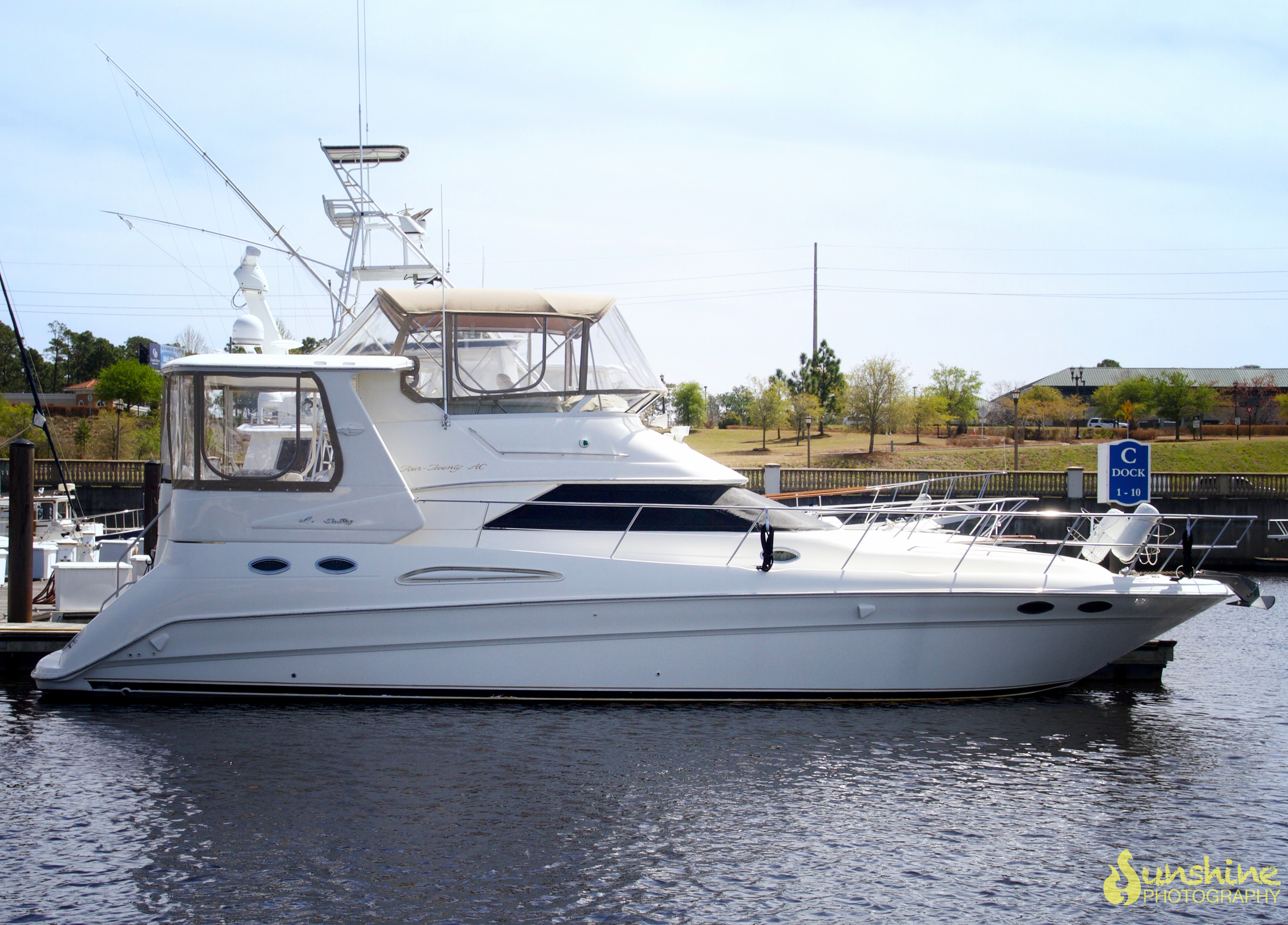 Sea Ray 420 Aft Cabin Profile_side3.jpg