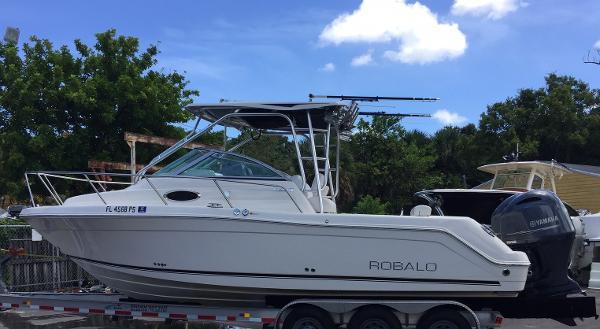 Robalo R265 Walkaround Seven Seas Yacht Sales - 2014 Robalo R265 Walkaround