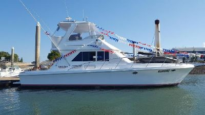 Sovereign 4000 Flybridge Cruiser