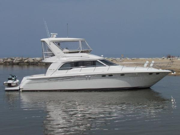 Sea Ray 480 Sedan Bridge