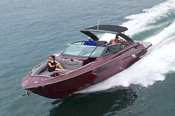 Cruisers Yachts 338 Palm Beach Edition Bow Rider