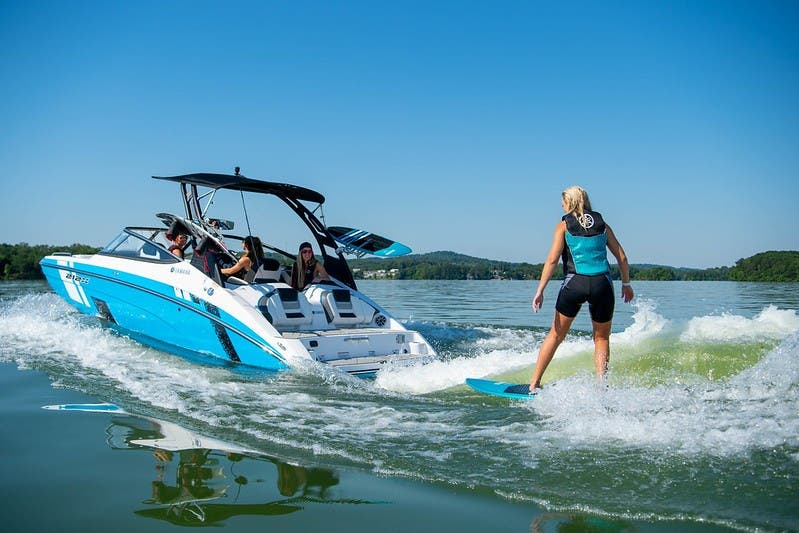 Yamaha Boats 212XD