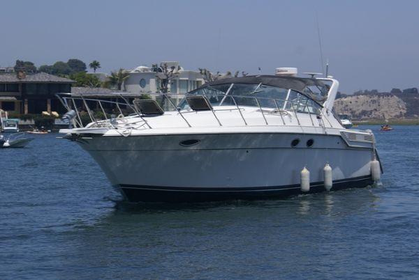Wellcraft Portofino 4350 Port Side View