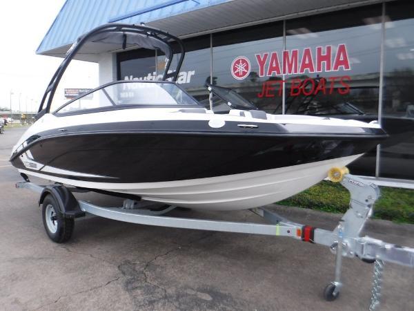 Yamaha Boats AR190
