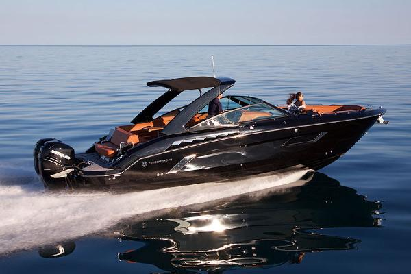 Cruisers Yachts 338 Outboard
