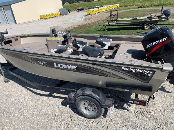 Lowe 185 Fishing Machine