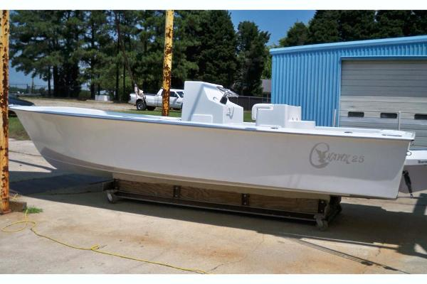 C-Hawk 25 Center Console Manufacturer Provided Image