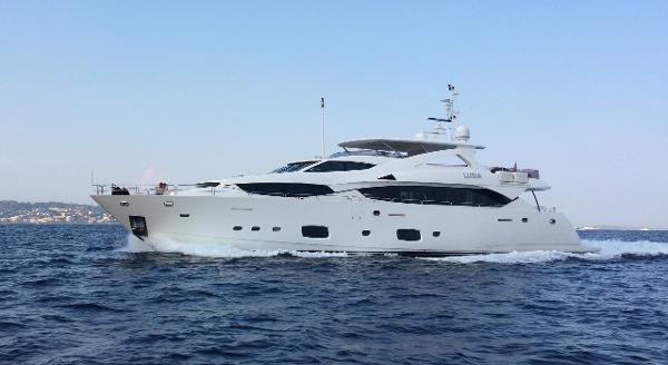Sunseeker 34M Yacht Running