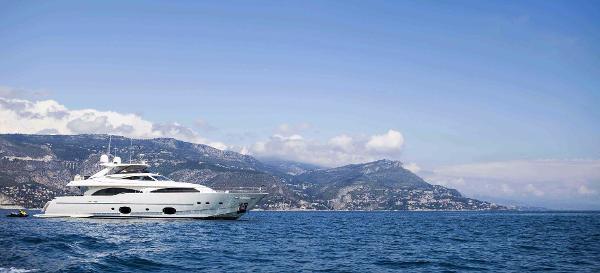 Ferretti Yachts CL 97