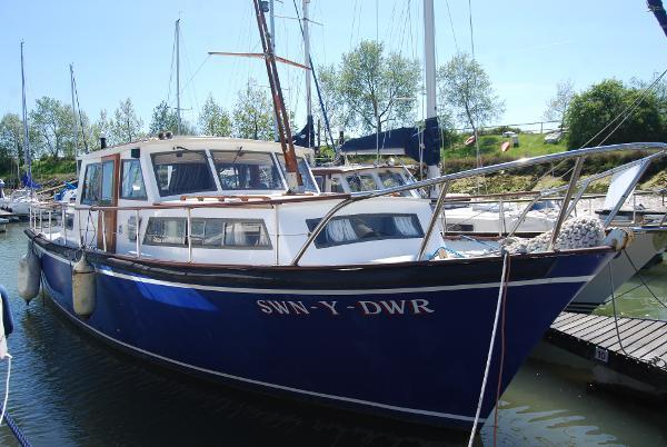 Sealion 36 Steel Motor Yacht Sealion 36 starboard side