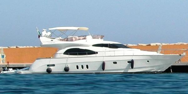 Cayman Yachts 62