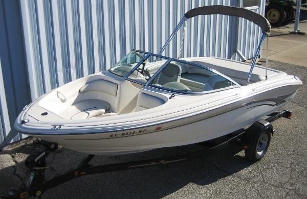 Sea Ray 182 Bow Rider