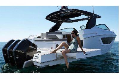 Cruisers Yachts 38 GLS