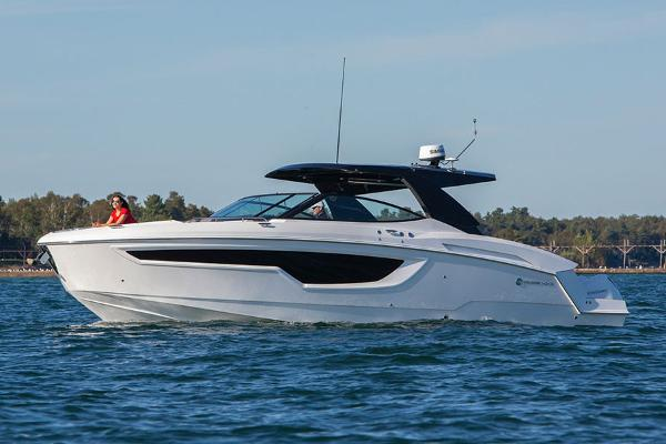 Cruisers Yachts 38 GLS Manufacturer Provided Image