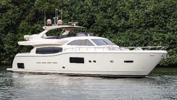 Ferretti Yachts 84 Altura