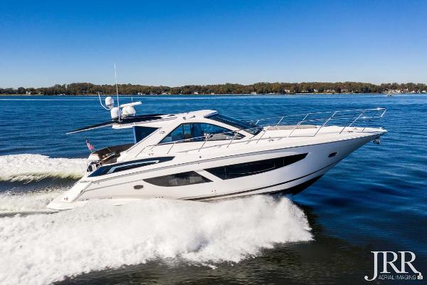 Regal 53 Sport Coupe Starboard Profile