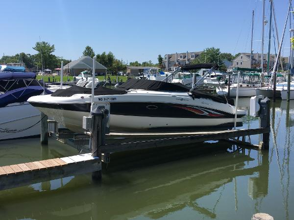 Hurricane 26 Deck Boat