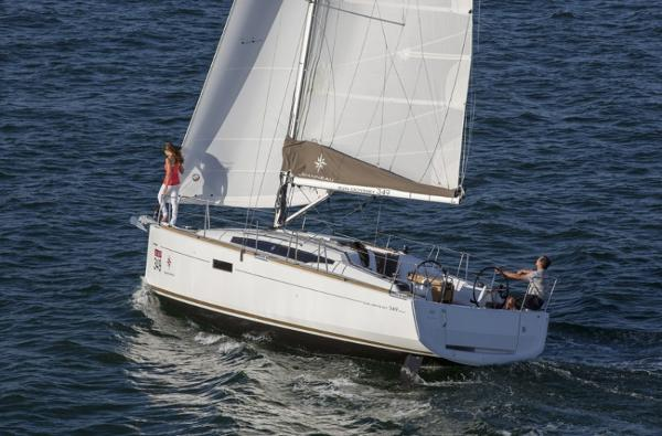 Jeanneau 349 (Cruiser) Leisurely sail