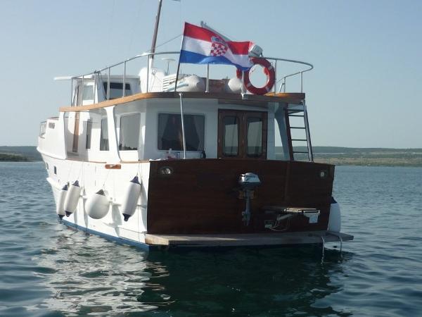 Grand Banks Alaskan 46 Trawler