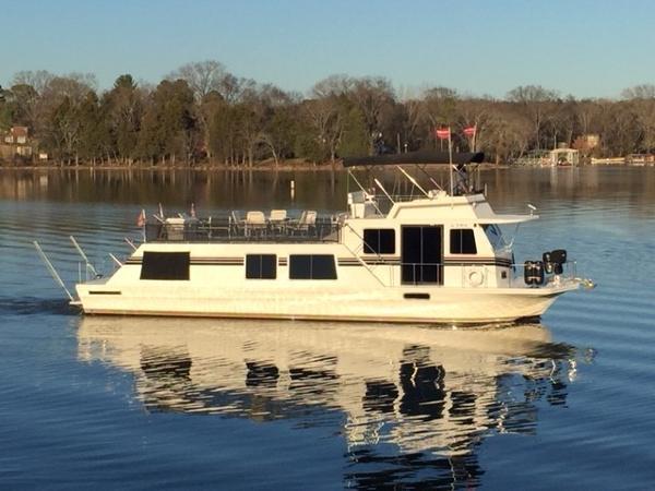 Harbor Master 52 Widebody Starboard Profile