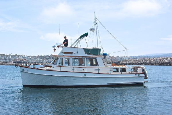 Grand Banks 36 Classic Port Profile