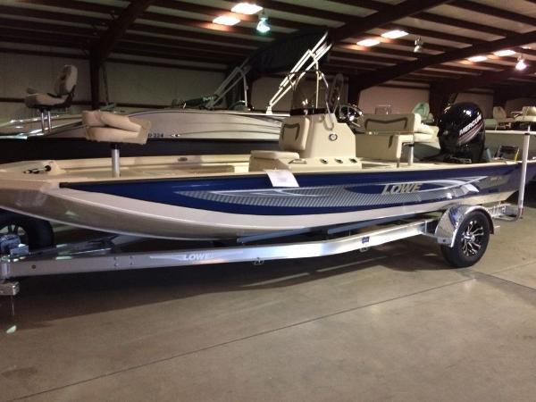 Lowe Boats 20 Bay