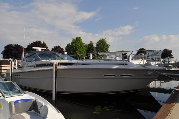 Sea Ray 390 Express Cruiser w/CAT Diesels!