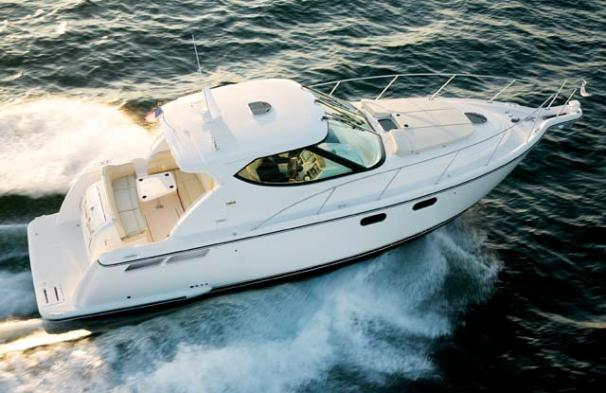 Tiara Yachts 4000 Sovran with new IPS 600 Manufacturer Provided Image