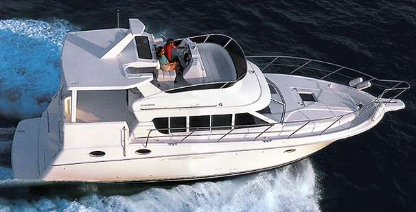 Silverton 422 Motor Yacht Manufacturer Provided Image