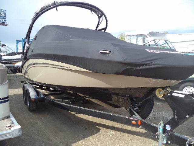 "YAMAHA BOATS 242 LIMITED ""S"""