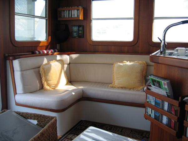 Saloon Settee Port