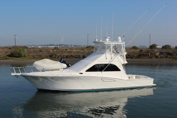 Cabo Yachts 47 Flybridge Sportfisher Port Profile