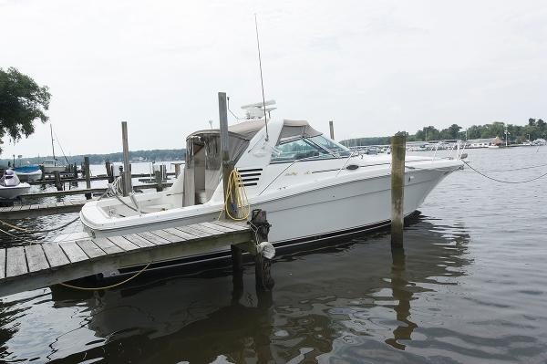 Sea Ray 370 Express Cruiser Profile