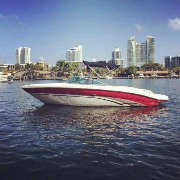 Sea Ray 220 Bow Rider Sea Ray 220 Bow Rider