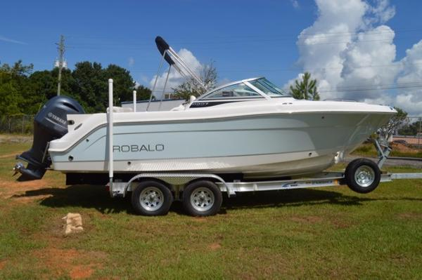 Robalo 227 Dual Console 2017-robalo-227-dual-console-bowrider-for-sale