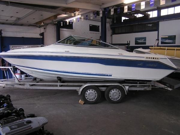 Sea Ray 200 Cuddy Cabin