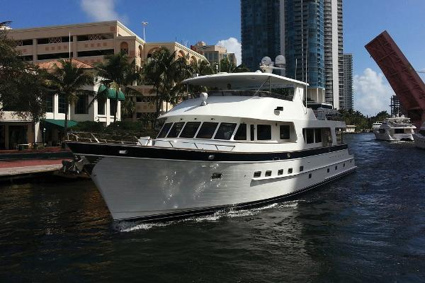 Outer Reef 860 Motoryacht