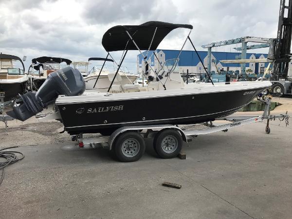 Sailfish 2100 Bay Boat