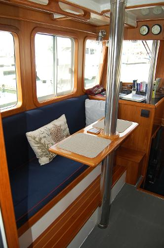 Pilothouse Settee & Table