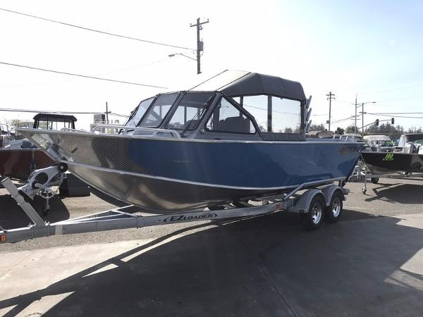 North River Seahawk Outboard 23'