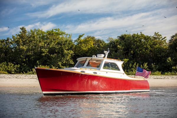 Hinckley Picnic Boat EP Port Profile