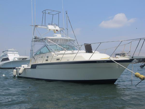 Hatteras 32 Flybridge Fisherman Hatteras 32 Flybridge Fisherman