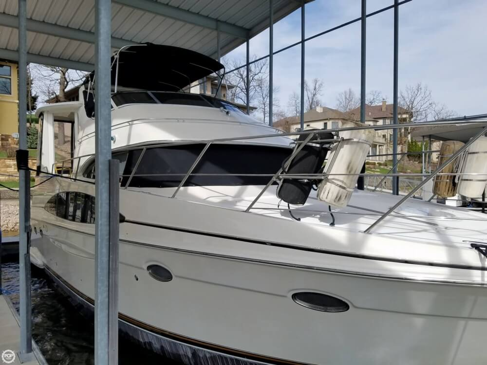 Carver 396 Motor Yacht 2000 Carver 396 for sale in Osage Beach, MO
