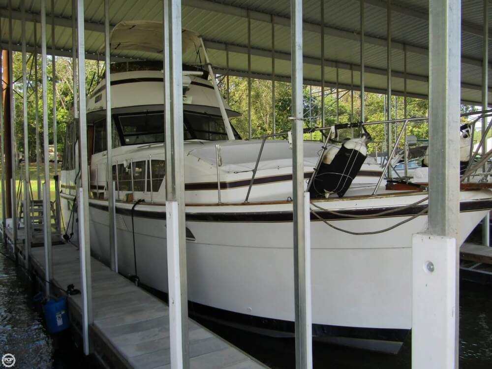 Chris-Craft 410 Motor Yacht 1976 Chris-Craft 410 Commander for sale in Little Rock, AR