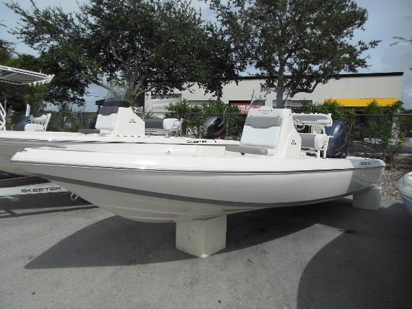 Skeeter SX 210